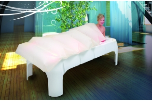 Photo : Rest bench with temperature water mattress